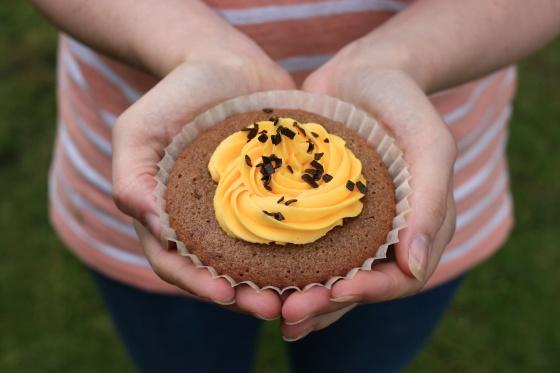 cadburys cream egg cupcakes