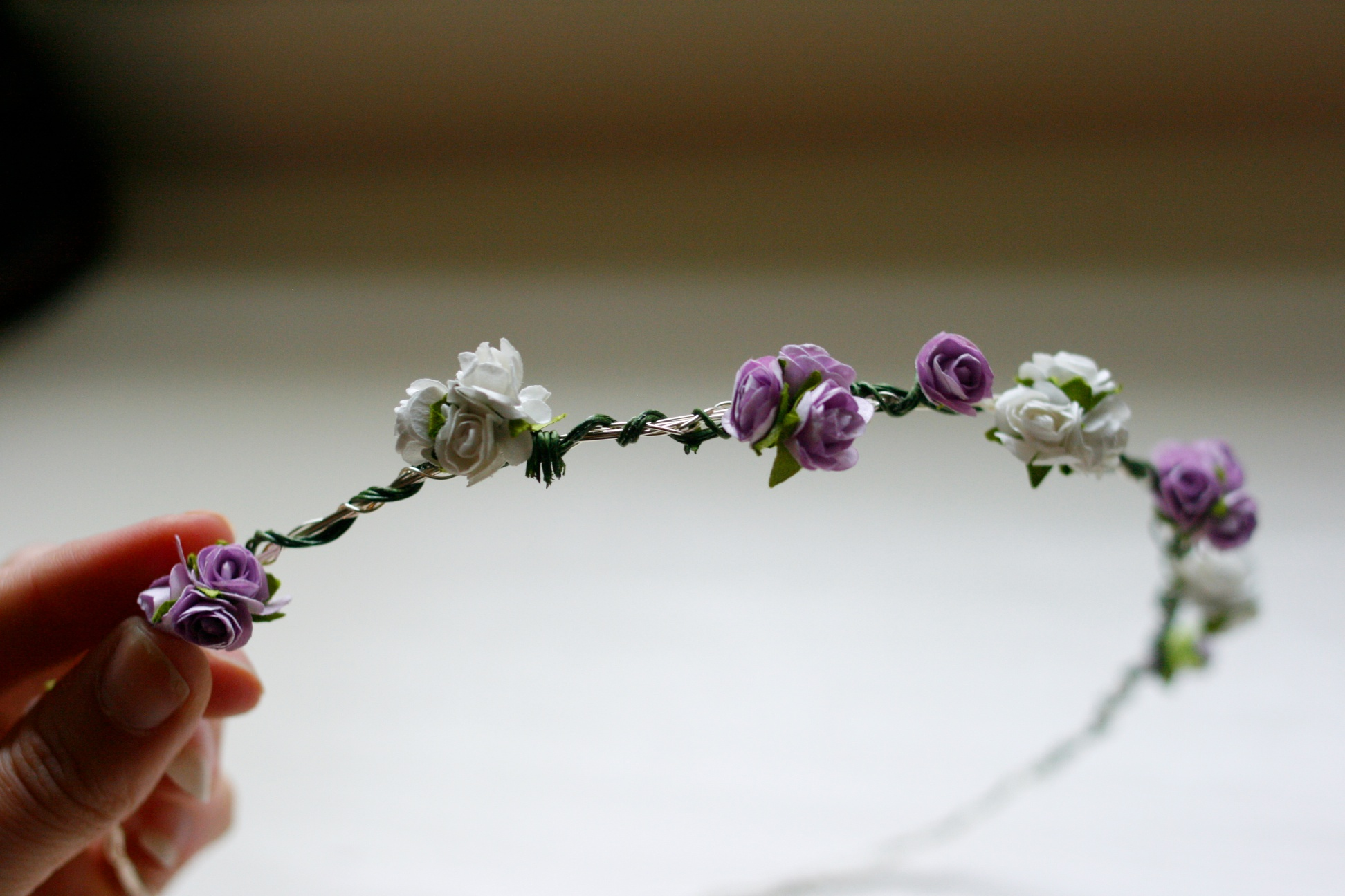 Diy how to make a flower garland crown daisychains dreamers flower festival headband izmirmasajfo Images