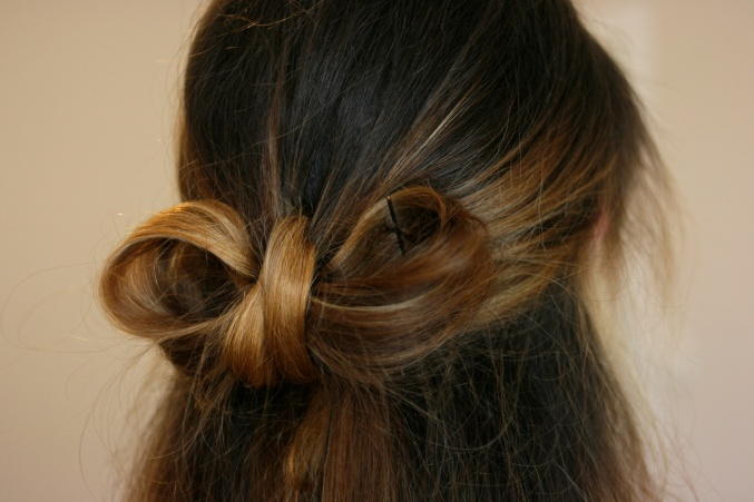 How to do a hair bow