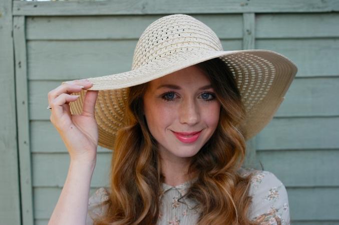 floppy hat summer