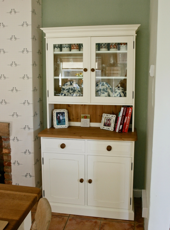 country cream dresser
