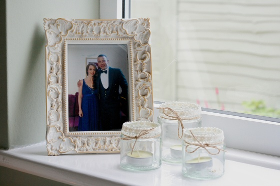 tea lights and picture frame