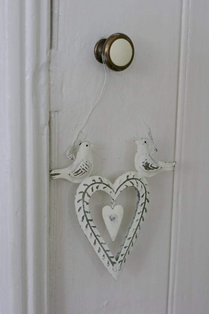 hanging heart Sass & Belle