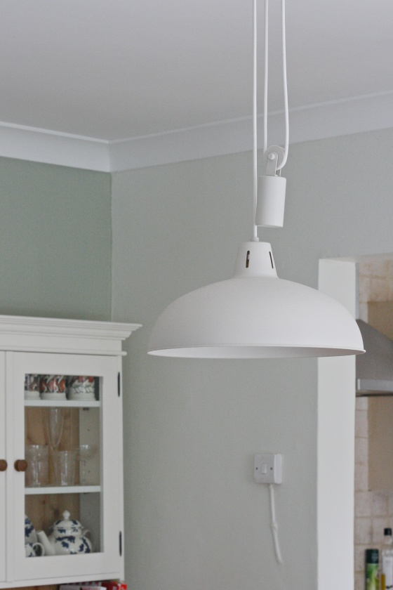hanging light pulley