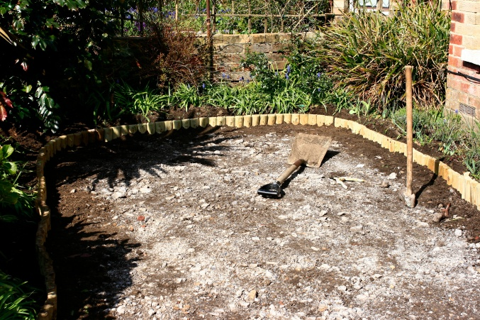 how to lay gravel garden