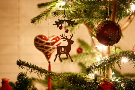 Reindeer christmas tree metal