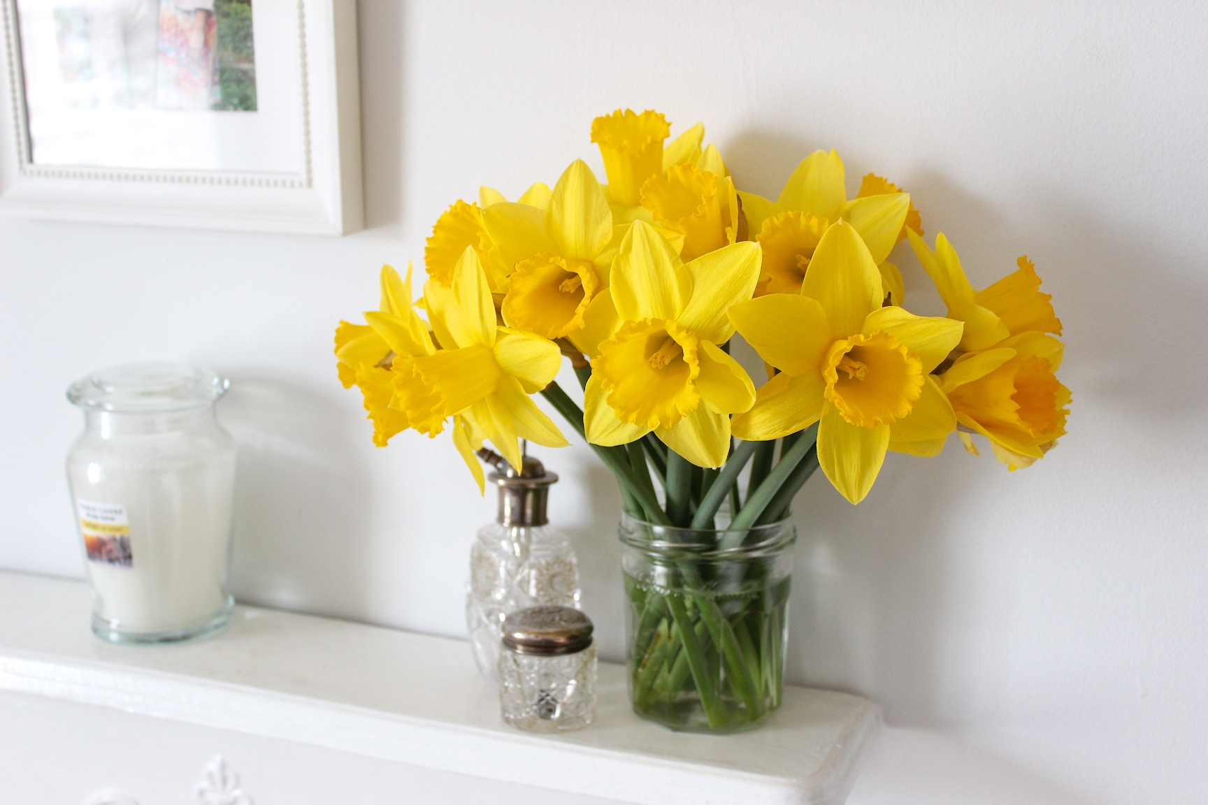Daffodils Jam Jar Mantle